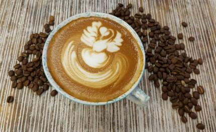 Cappuccino latte art: tu lo sai fare?