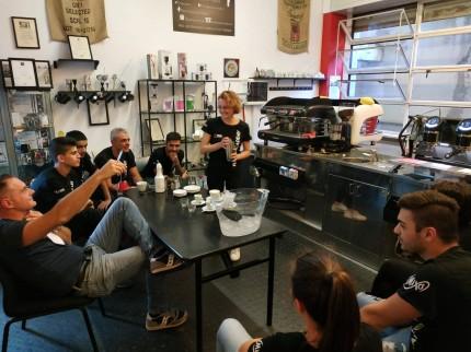 Corso Caffetteria: come preparare il cappuccino perfetto