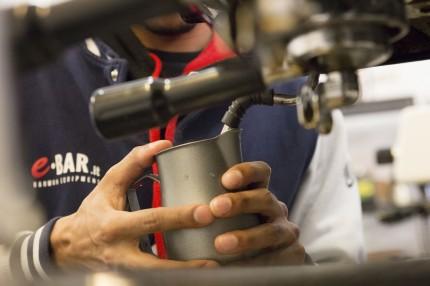 Come pulire la lancia vapore della macchina caffè